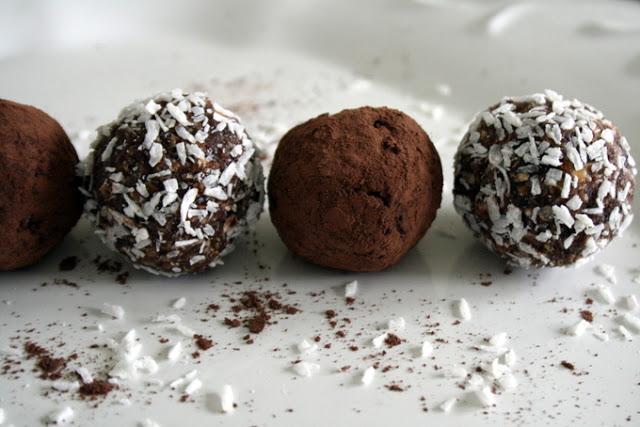 chocolate-orange-cocoa-balls