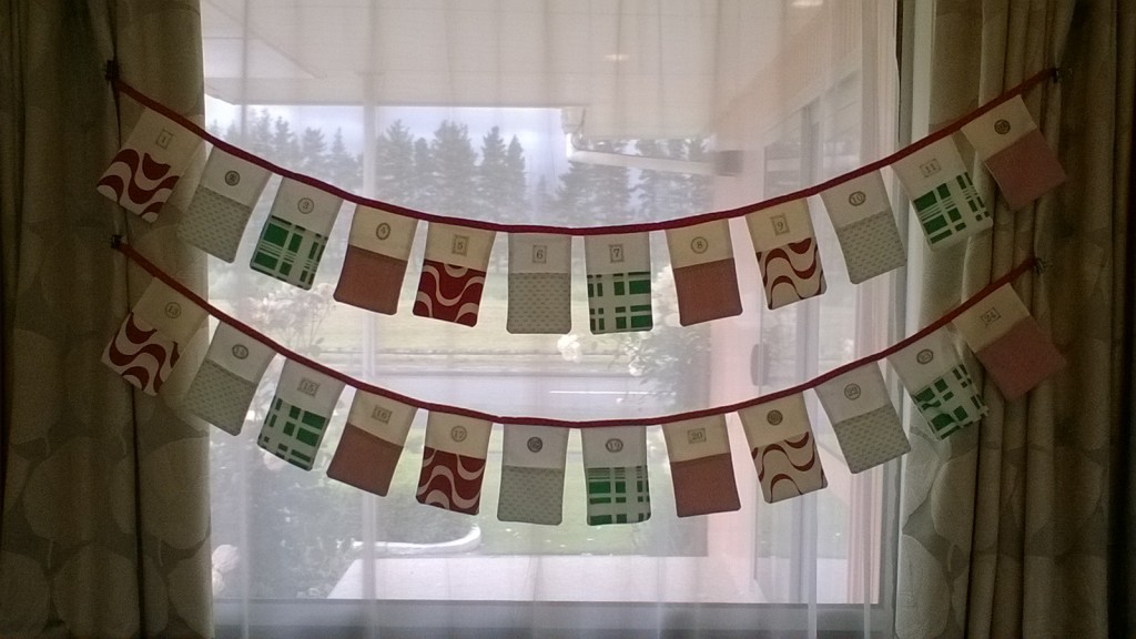 Advent pocket bunting from Funfair   What we're doing this Advent - lots of ideas to steal!  Sacraparental